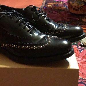 Boemos black studded shoe